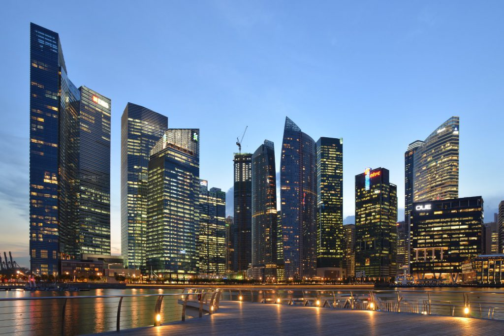 Central_Business_District_skyline_viewed_from_the_Lower_Boardwalk_of_Marina_Bay,_Singapore_-_20121022-01