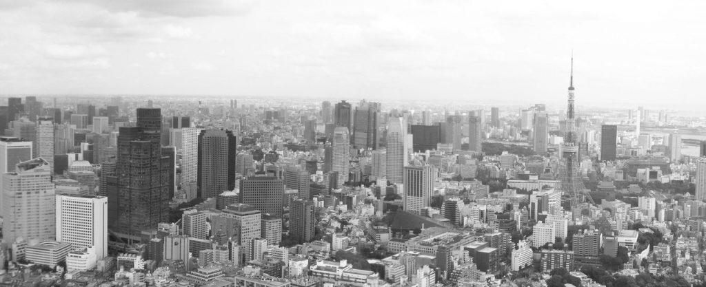 tokyo-skyline-in-b-w-1446751-1278x520